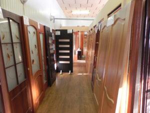 MDF интериорни врати в зала подредени